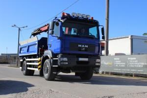 Mėlynas sunkvežimis
